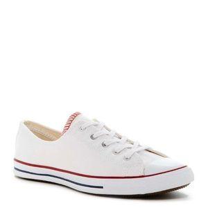 White chuck Taylor oxford sneaker